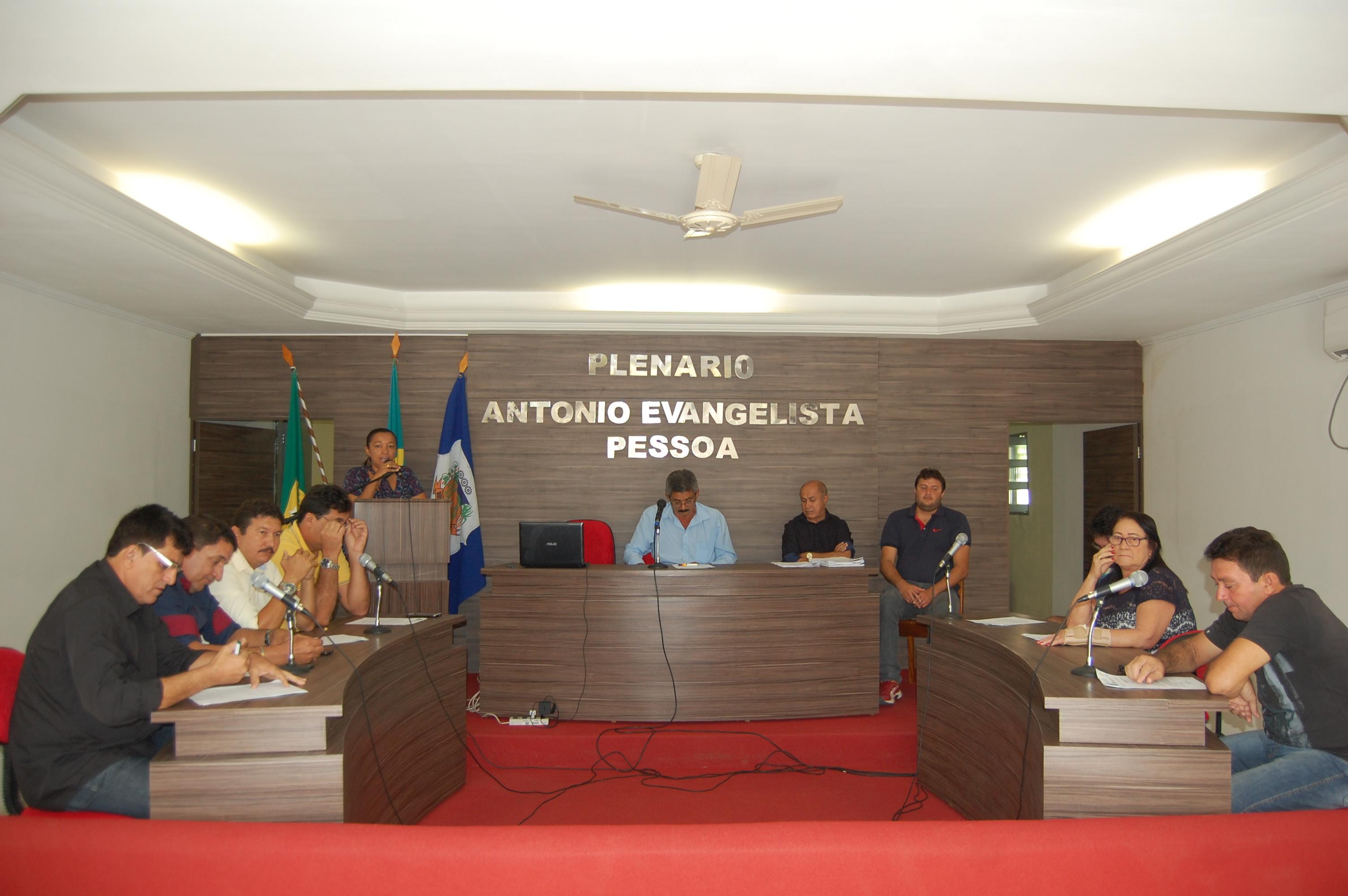 A Câmara Municipal aprova projeto nº. 003/2017